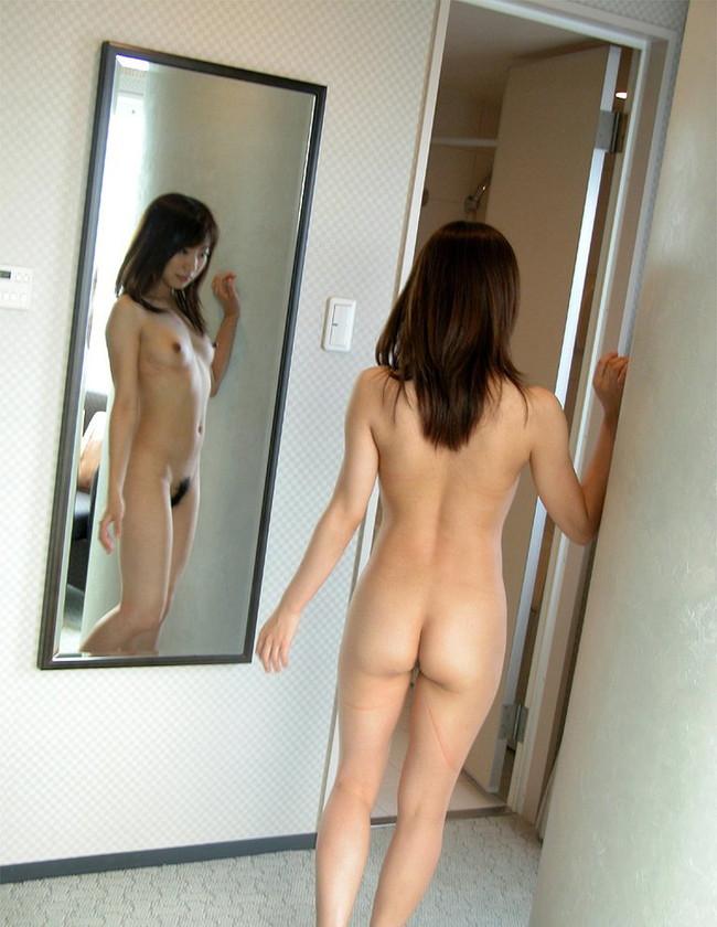 【ヌード画像】綺麗な後ろ姿に憧れる背中フェチたち必見の画像(32枚) 27