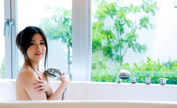 【ヌード画像】新山沙弥の綺麗な色白素肌をじっくり鑑賞したいw(30枚) 22