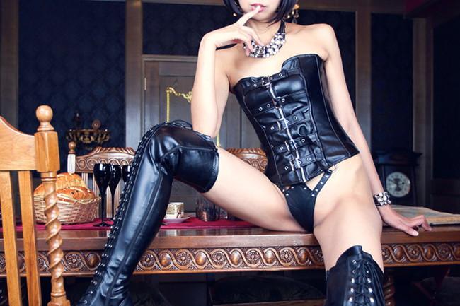 【ヌード画像】ブーツを履いた美女がエロすぎると俺の中で話題にw(32枚) 28