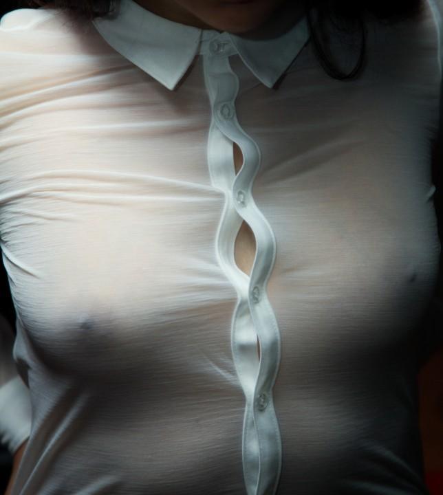 【ヌード画像】着衣ノーブラの美少女達を嫌いな男っているの!?(30枚) 15
