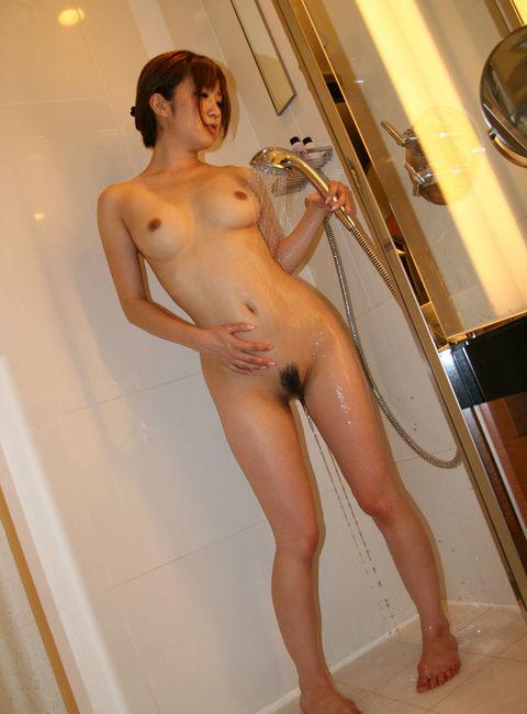 【ヌード画像】シャワーを浴びる全裸美少女で即シコタw(31枚) 10