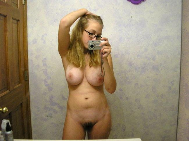 【ヌード画像】自撮りしている美しい女の子たち!(32枚) 18