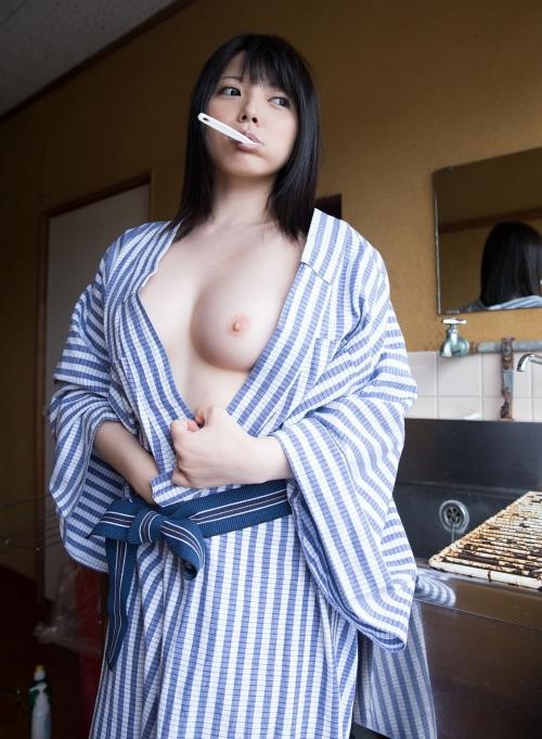 【ヌード画像】綺麗な黒髪の美女で興奮するのは全世界共通w(32枚) 03