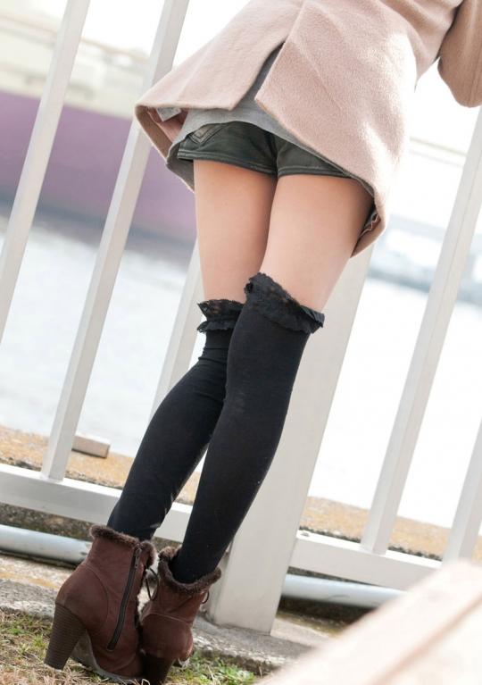 【ヌード画像】夏目優希のスレンダーな裸体が色っぽいw(31枚) 09