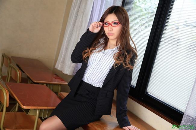 【ヌード画像】教室で淫靡な裸体を見せる女たち(30枚) 02