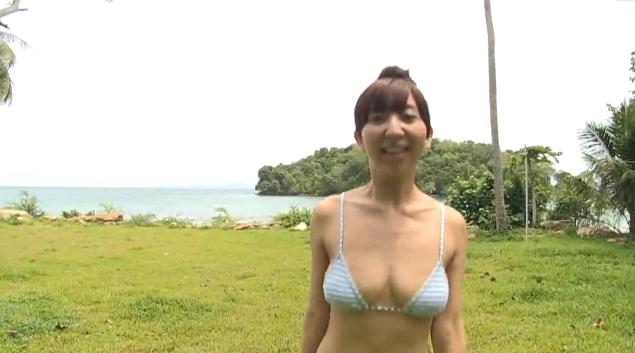 【ヌード画像】飯田里穂のセクシー水着画像(36枚) 02