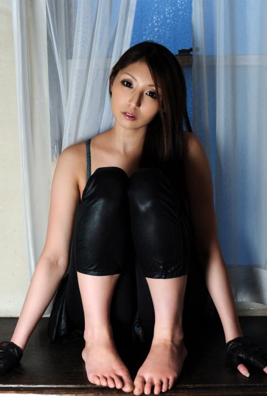 【ヌード画像】秋吉ひなの長身グラマラスなヌード画像(30枚) 09
