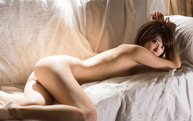 【ヌード画像】優希まことのスレンダーで美肌な裸体が色っぽいw(32枚) 31