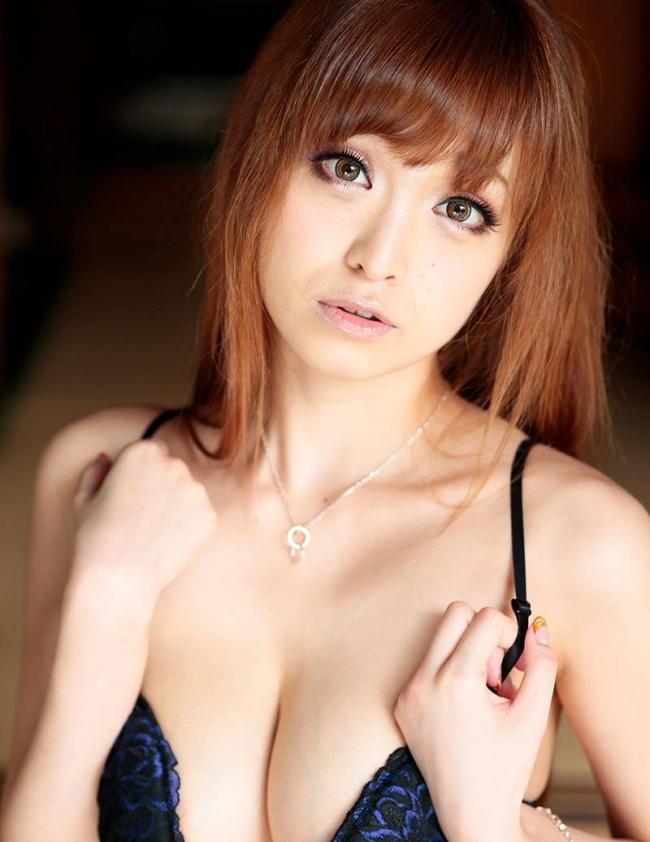 【ヌード画像】美女が見せるおっぱいの谷間で心を鷲掴みにされそうw(31枚) 30