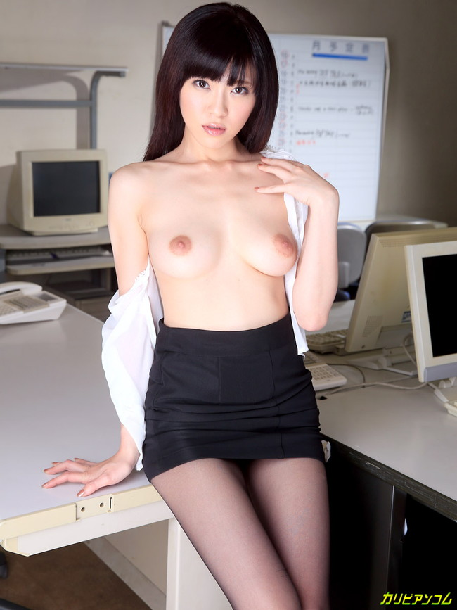 【ヌード画像】百合川さらさんの美乳スレンダーボディに大興奮w(30枚) 25