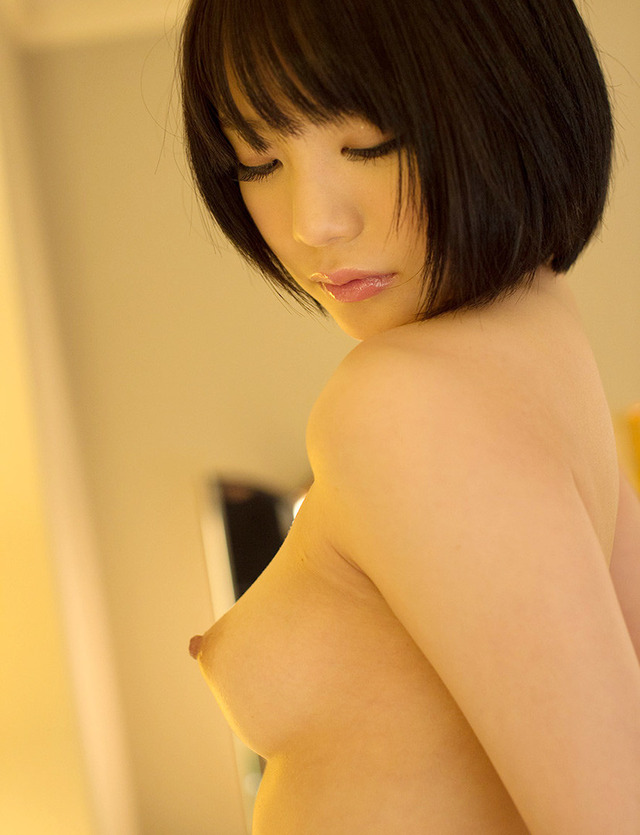 【ヌード画像】生乳を見せる美少女たちがエロいw(30枚) 16