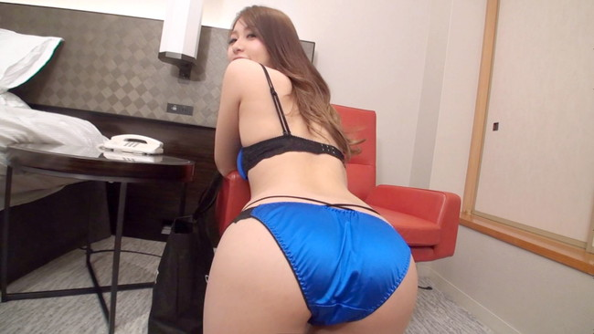 【ヌード画像】助けて!青色の下着をつけた美女がエッチすぎて困っているの!(33枚) 32