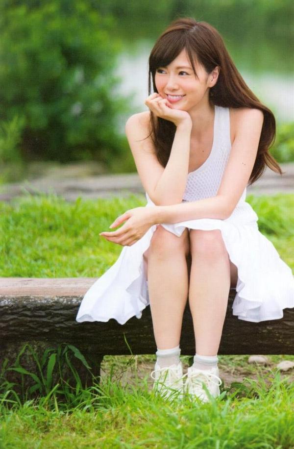 【ヌード画像】白い肌が魅力的!白石麻衣のセクシー画像(30枚) 05