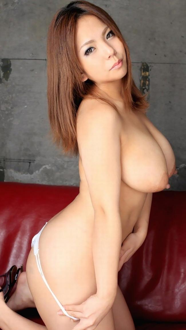 【ヌード画像】突き出るような円錐型オッパイで股間の息子も突き出てしまいますw(30枚) 12