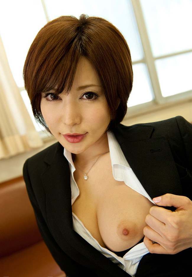 【ヌード画像】里美ゆりあの色白肌と美乳に心を奪われそうw(33枚) 18