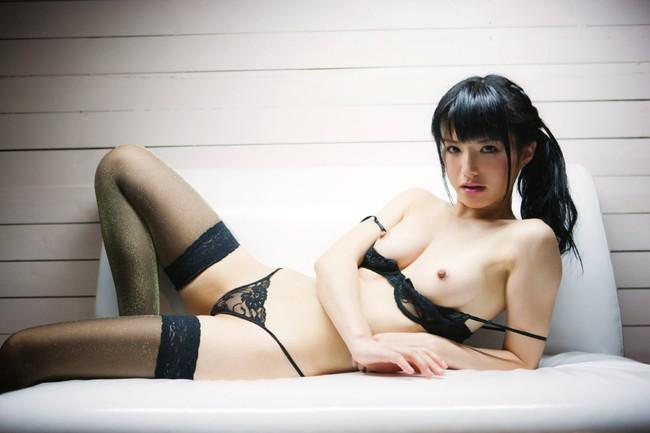 【ヌード画像】服を脱がせたらエロすぎる下着でワックワクだぜw(32枚) 01
