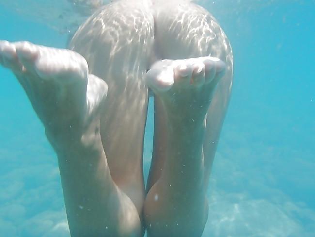 【ヌード画像】水中ヌードが超エロい!浮力で上向くおっぱいや,水でのバックヌードは死ぬほどエロい!(50枚) 28
