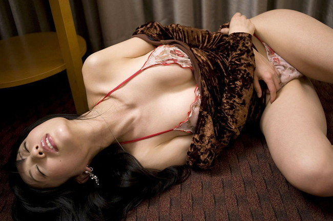 【ヌード画像】アラフォーが女性のエロピークであることは異論無いはずw得も言われぬエロさのアラフォーヌード画像集(50枚) 29