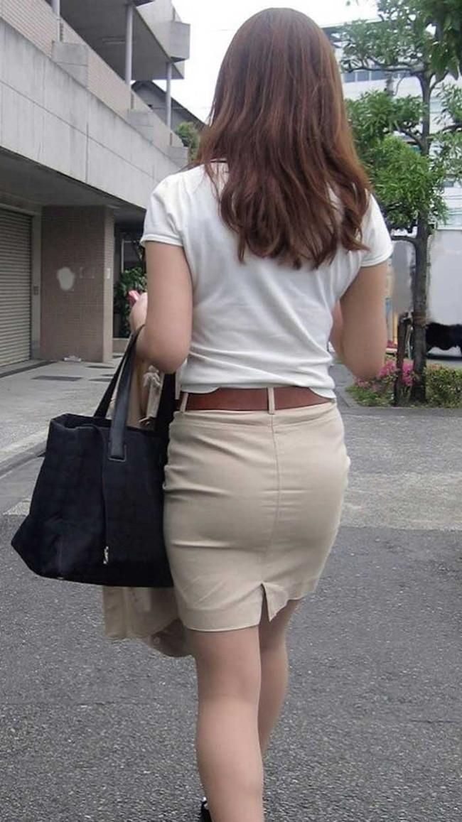 【ヌード画像】パッツパツのパンツだかレギンスだかを履いて街を普通に歩いてるオンナって死ぬほどエロいのに気付かないの?的画像集(50枚) 36