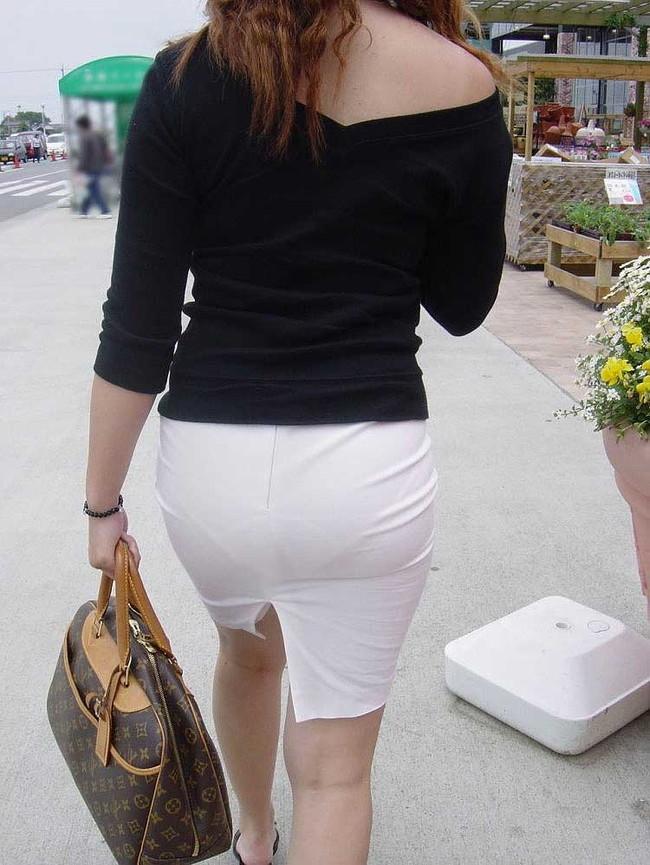 【ヌード画像】パッツパツのパンツだかレギンスだかを履いて街を普通に歩いてるオンナって死ぬほどエロいのに気付かないの?的画像集(50枚) 42