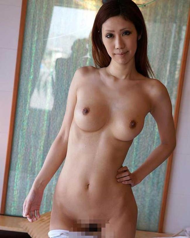 【ヌード画像】乳首色濃いと人間味があってこっちの方がエロい!と感じたらこの黒乳首ヌード画像集をどうぞww(50枚) 22