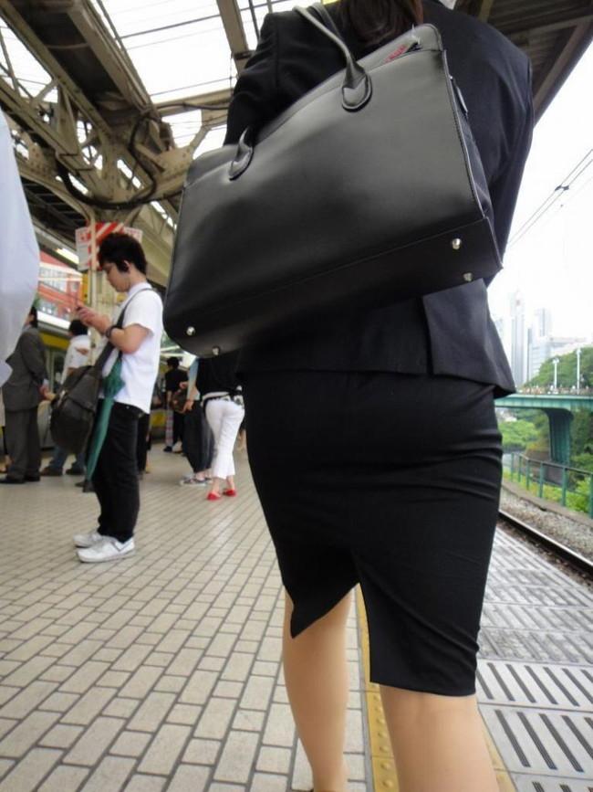 【ヌード画像】エロい!エロいぞリクルートスーツ!この初々しさとぴったりお尻のギャップ感がたまりません!(50枚) 04