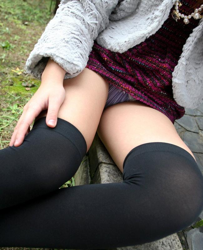 【ヌード画像】全裸でもコスプレで着衣でもエロいニーソックスまとめ(30枚) 22