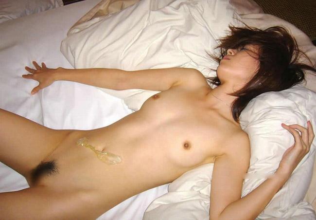 【ヌード画像】精子をかけられてエロさが倍増している全裸の女の子の画像(30枚) 08