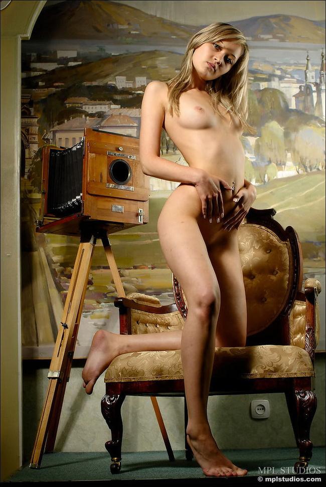 【ヌード画像】細身で貧乳~手のひら美乳の外国人ヌードモデル画像(30枚) 23