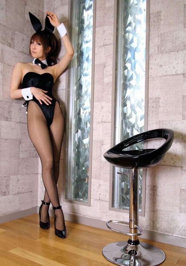 【ヌード画像】AV女優からグラドルまで着こなすバニーコスの美脚画像(30枚) 23