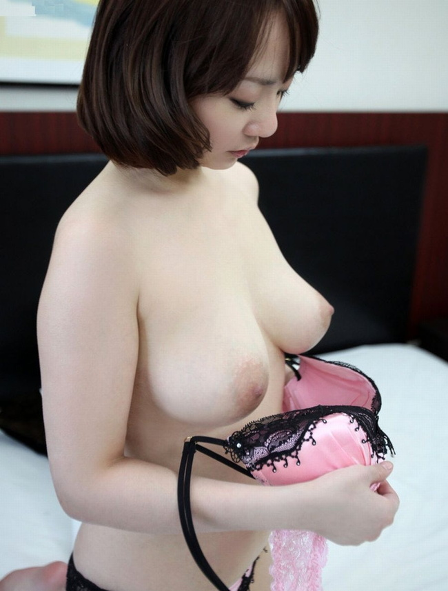 【ヌード画像】たわわな巨乳から驚愕の爆乳まで、でかいおっぱい画像(31枚) 05