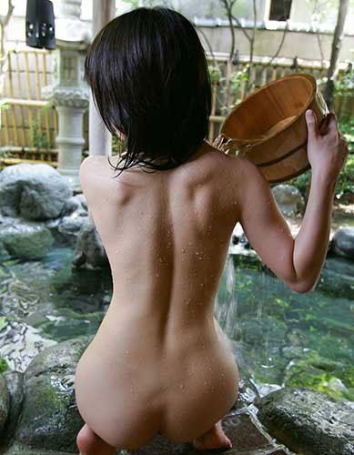 【ヌード画像】くびれと美尻、そのラインが美しい背中画像(30枚) 05
