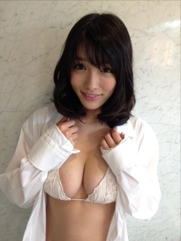 【ヌード画像】Fカップの人気グラドル今野杏南ちゃんの水着画像(30枚) 24