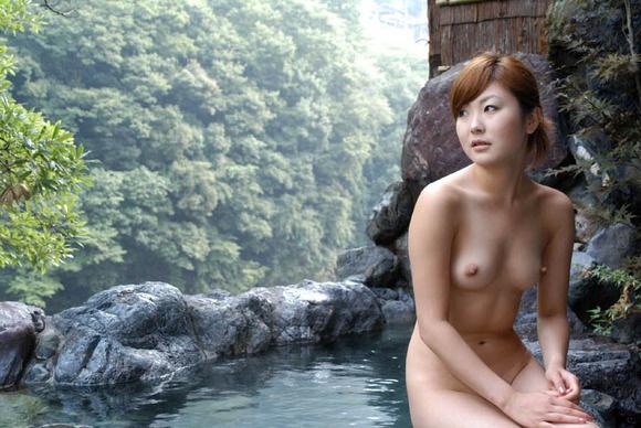 【ヌード画像】温泉で温まったしっとり女体のエロ画像(30枚) 03