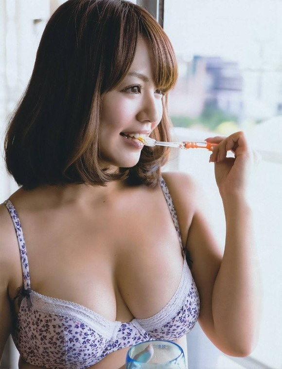 【ヌード画像】ムチムチ界のプリンセス・磯山さやかのムッチリ水着(41枚) 38