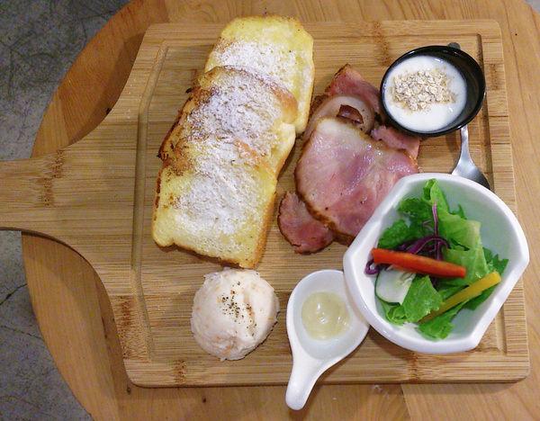 """【高雄苓雅美食】Mi'S MATE  *♥早午餐下午茶""""聚餐""""舒適沙發環境"""