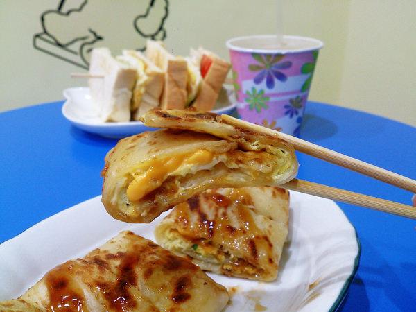 """【新北板橋早午餐】2個蛋早餐  *♥厚實手工蛋餅""""高CP值""""吃飽飽薯泥蛋吐司"""
