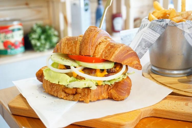 (2018.4月更)【高雄三民早午餐】晨嬉早午餐 || 平價悠閒的義式早午餐