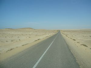 MAROC-sahara-occidental-2000km-en-ligne-droite.jpg