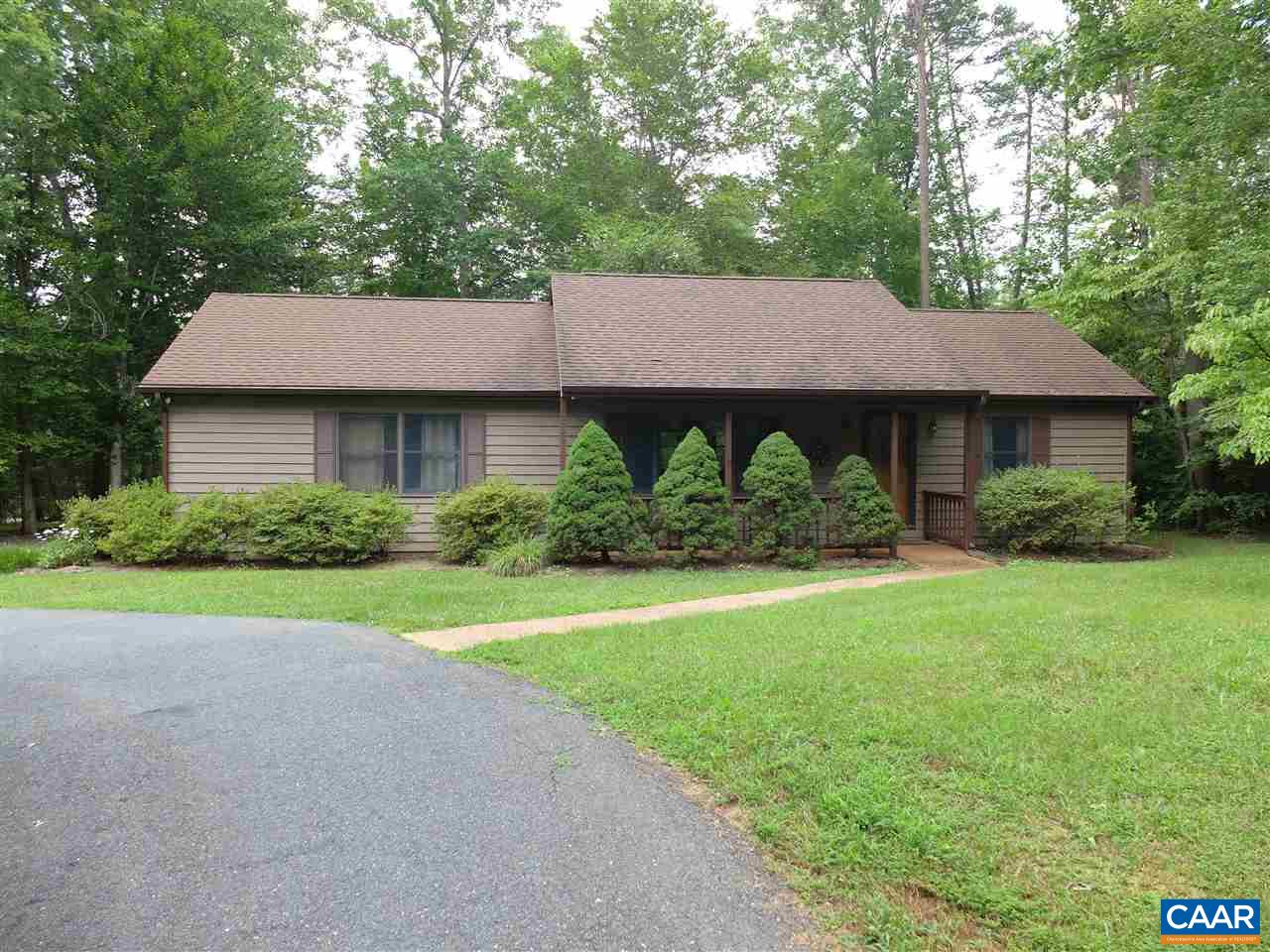 Property for sale at 13 RIVERWOOD CT, Lake Monticello,  VA 22963