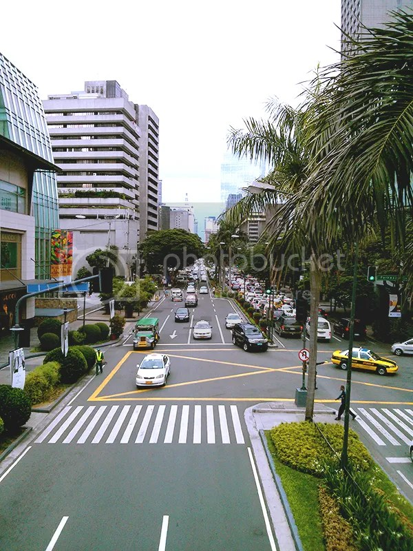 Road that leads to Makati Avenue
