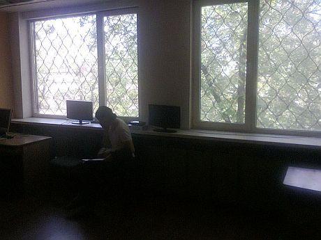 Фото нового робочого місця для балакучих журналістів УНІАН