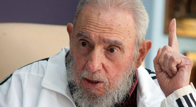 Resultado de imagem para Fidel Castro, ex-presidente de Cuba, morre aos 90 anos