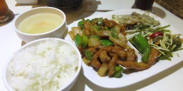 台北 嘟嘟泡沫紅茶 DoDoTea 輕鬆享用的家常簡餐 店狗太可愛