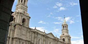 南美祕魯。阿雷基帕。Iglesia de la Compañía。教堂 百年孤寂~?