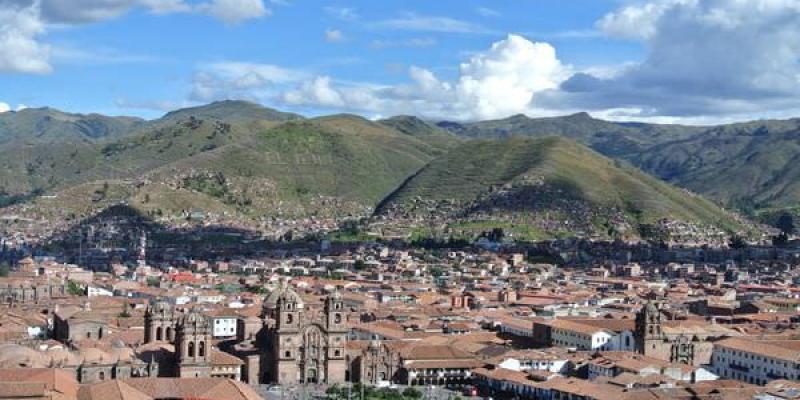 《南美》秘魯。庫斯科。Plaza de Armas。武器廣場。放心這裡沒武器