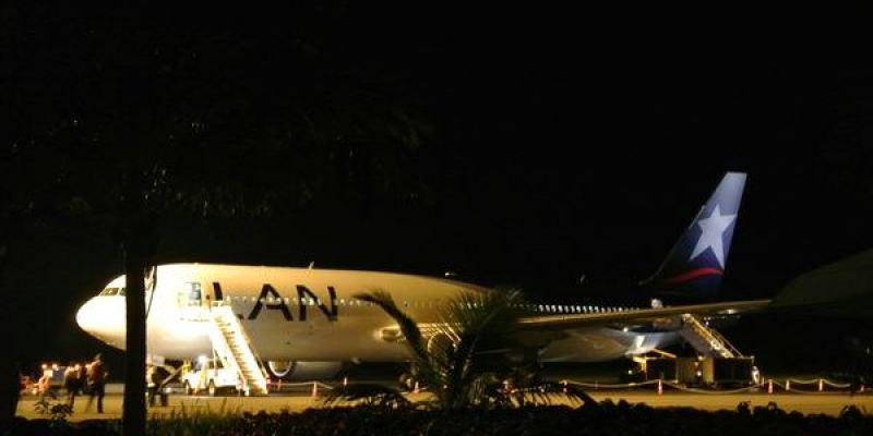 《南美》智利復活島。LAN航空。從復活島飛回祕魯利馬。準備大啖天竺鼠!!!