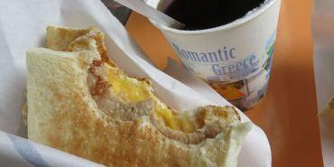 台北。可蜜達炭烤吐司 Comida。三明治完美比例 鬼椒嚇到你噴淚