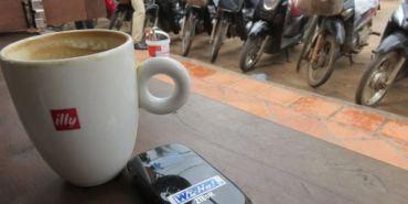 柬埔寨。Wi-Ho! 特樂通。網路無遠弗屆 吳哥窟暢所欲言