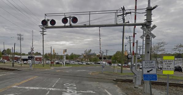 google_maps_street_view_rail_crossing